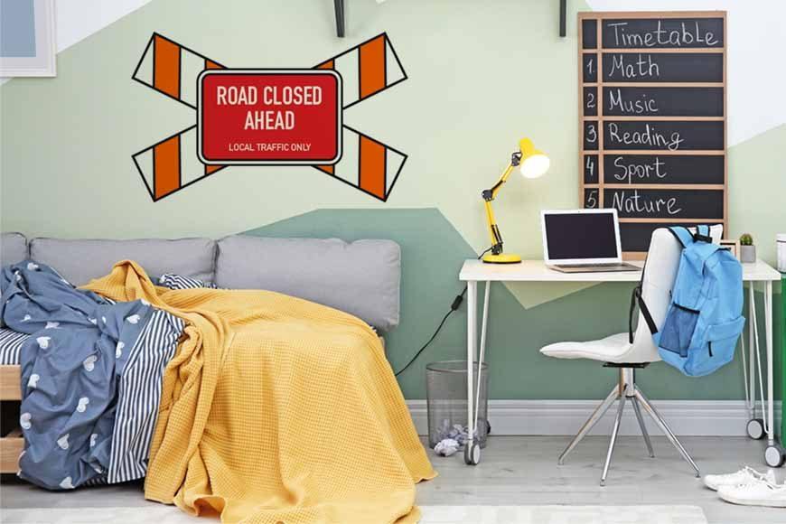 vinilo road closed