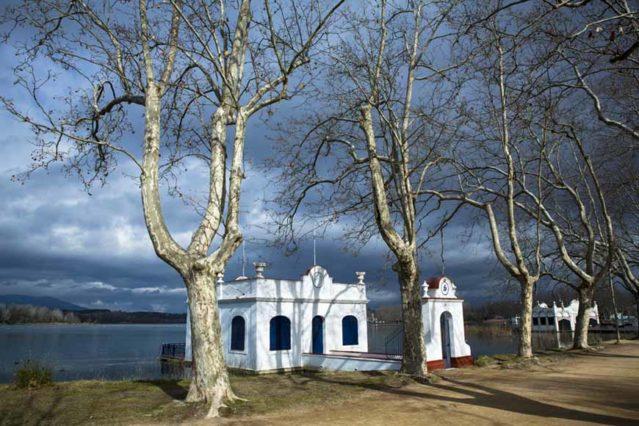 Caseta lago banyoles