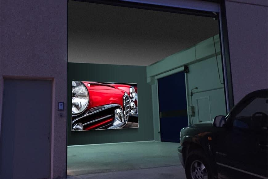 Garaje con caja de luz