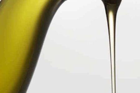 aceite fondo blanco