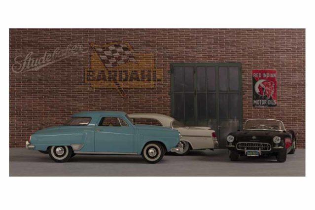 Escena de un garaje con clasicos americanos para imprimir en vinilo y aplicar en la pared. A tamaño natural